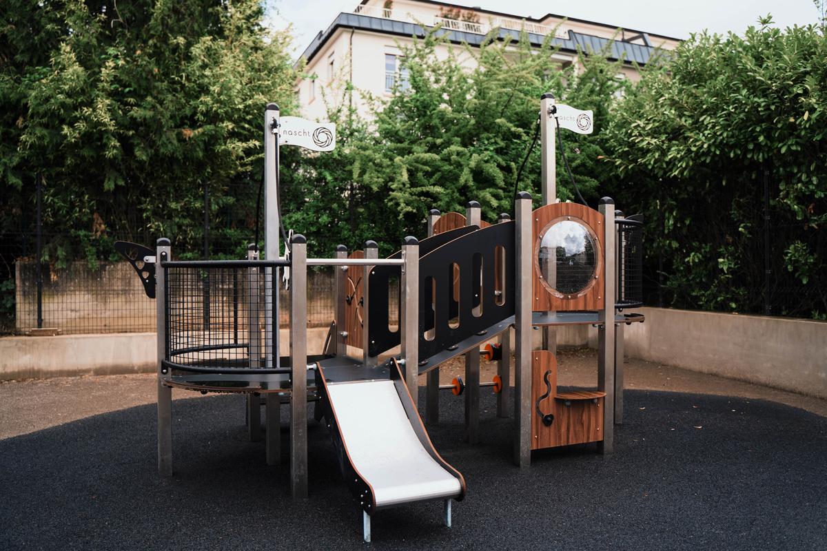 Crèche Nascht Artcile Le jeu extérieur | Image d'un terrain de jeux